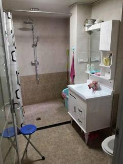 南龙滨江公馆三室两厅两位出售,精装修,拎包入住