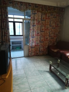 2室1厅1卫70m2简单装修