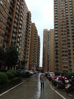 (高新區)高新現代城4室1廳1衛30m2簡單裝修