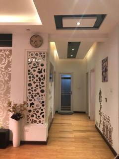 (汉滨区)兴华都市花园3室2厅2卫133m²精装修