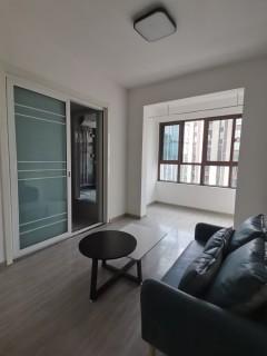(高新区)金域澜庭1室1厅1卫1300元/月35m²出租